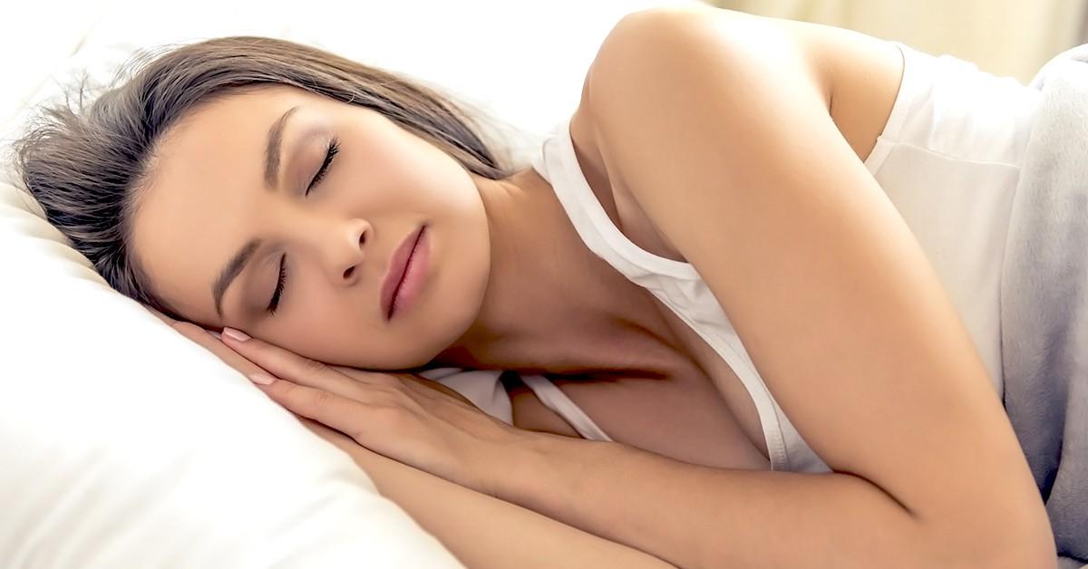 Come rigenerare la nostra pelle durante la notte